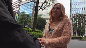 早川メアリー クリデカ武器にギャルが土下座逆ナンパ